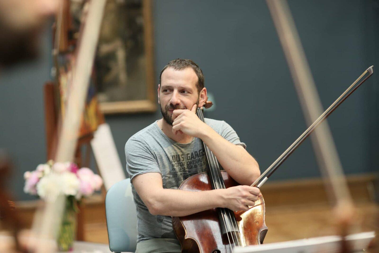 Борис Андрианов: «Когда приезжаешь туда, где не играешь концерт, чувствуешь себя очень странно».