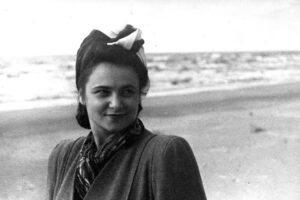 Недолгая, но яркая жизнь выдающейся пианистки Розы Тамаркиной (1920 – 1950).