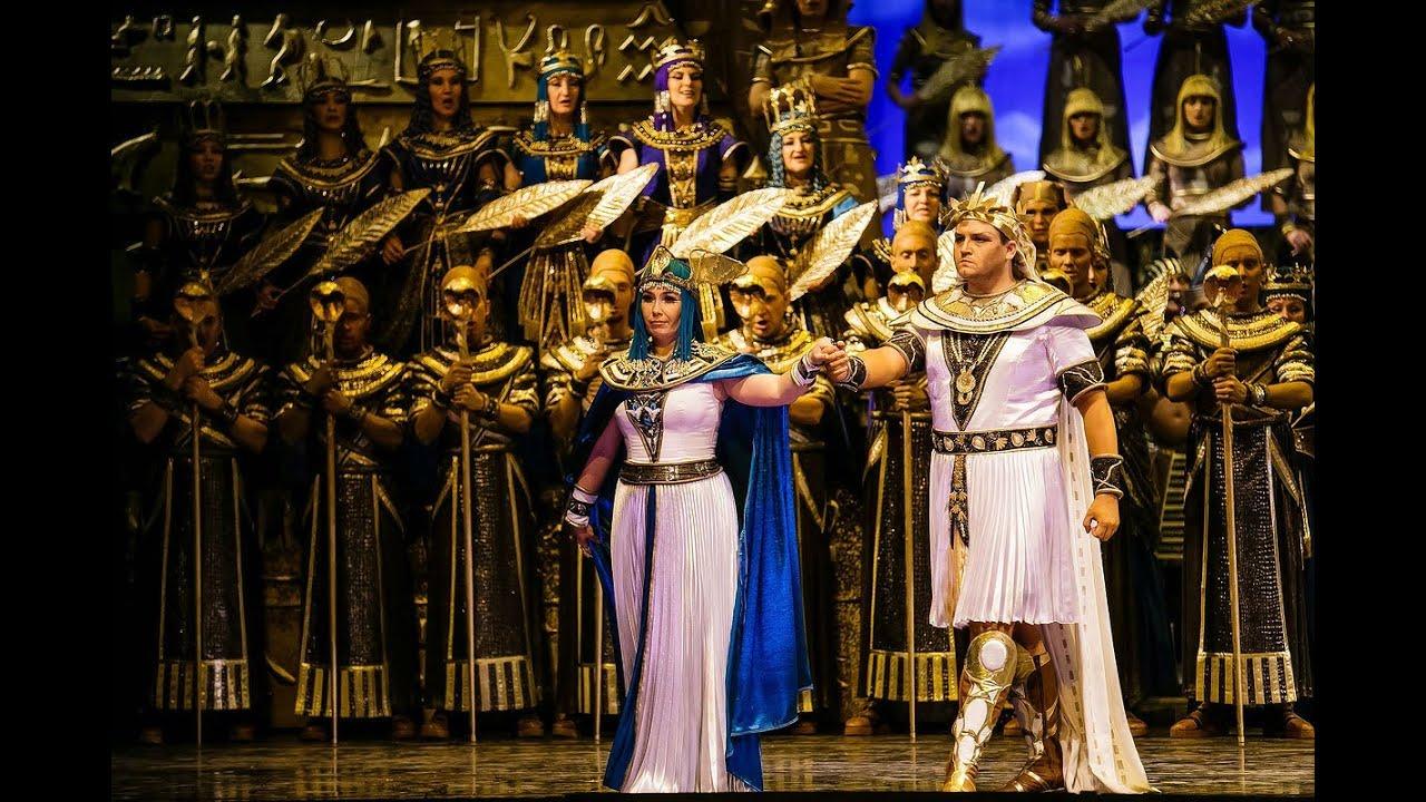 8 февраля. Премьера оперы Джузеппе Верди «Аида».